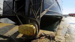 Απαγορευτικό απόπλου: Σε ποια λιμάνια παραμένουν δεμένα τα πλοία