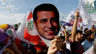 Tουρκία: Παραμένει στη φυλακή ο Ντεμιρτάς παρά τις ευρωπαϊκές πιέσεις