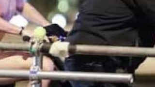 Πασίγνωστος σταρ του Χόλιγουντ οδήγησε... ολόγυμνος scooter στο κέντρο της Αθήνας