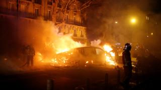 Εικόνα χάους στο Παρίσι: Φωτιές, λεηλασίες και οδομαχίες αστυνομίας - κίτρινων γιλέκων