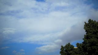 Καιρός: Βροχές και μικρή άνοδος της θερμοκρασίας τη Δευτέρα