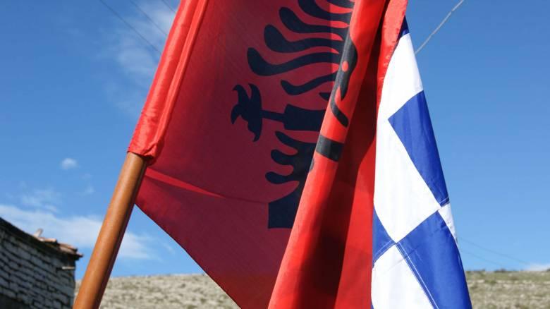 Αλβανοί εθνικιστές βανδάλισαν ελληνικό μνημείο στην Κρανιά της Βορείου Ηπείρου