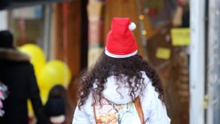 Εορταστικό ωράριο Χριστουγέννων: Πότε αρχίζει και ποιες Κυριακές μπορείτε να ψωνίσετε