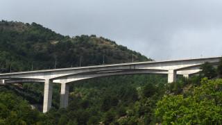 Άντρας πήδηξε από γέφυρα της Εγνατίας κοντά στην Καλαμπάκα