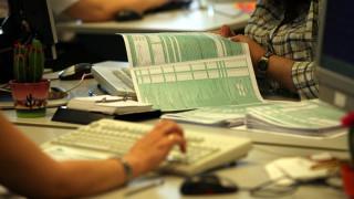 Φορολογικές δηλώσεις 2019: Ποιους συμφέρει το «διαζύγιο» στην εφορία και πόσα χρήματα γλιτώνουν