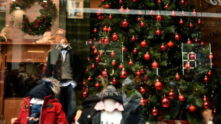 Εορταστικό ωράριο Χριστουγέννων: Αντίστροφη μέτρηση για την εφαρμογή του