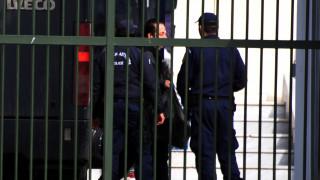 Κύκλωμα λαθρεμπορίας χρυσού: Εικόνες από την μεταγωγή του Ριχάρδου στις φυλακές Ναυπλίου