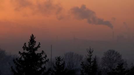 «Η Γη δεν μπορεί να ανασάνει»: Τρομακτικό ιστορικό ρεκόρ για τις εκπομπές διοξειδίου του άνθρακα