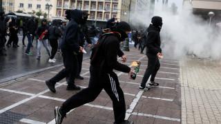 Live blogging: Mολότοφ, χημικά και ένταση στις πορείες για τον Αλέξη Γρηγορόπουλο
