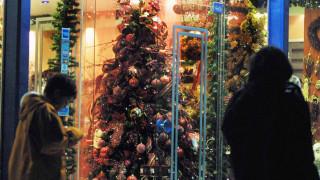 Εορταστικό ωράριο Χριστουγέννων: Πότε αρχίζει και ποιες Κυριακές θα είναι ανοιχτά τα μαγαζιά