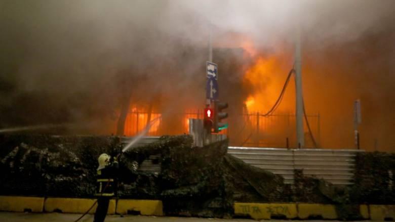 Επέτειος Γρηγορόπουλου: Μολότοφ, χημικά και φωτιά σε εργοτάξιο του μετρό Θεσσαλονίκης