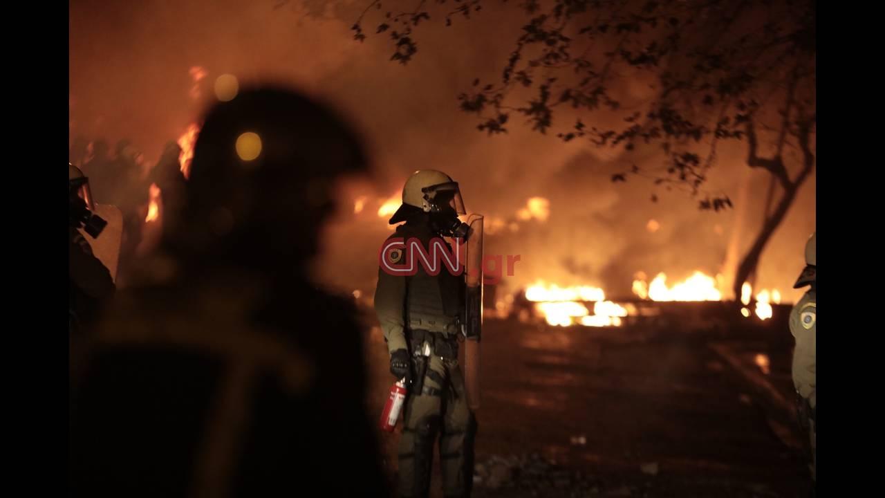 https://cdn.cnngreece.gr/media/news/2018/12/06/157372/photos/snapshot/LP2_8221.JPG