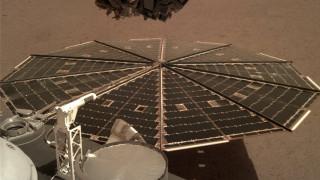Είστε όλοι επίτιμοι Αρειανοί: Νέο φωτογραφικό υλικό του InSight από τον «κόκκινο πλανήτη»