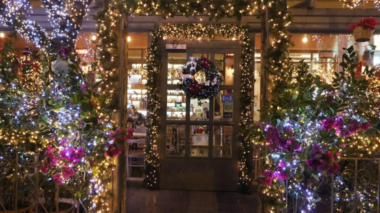 Εορταστικό ωράριο Χριστουγέννων: Πότε ξεκινά - Ποιες Κυριακές θα είναι ανοιχτά τα καταστήματα