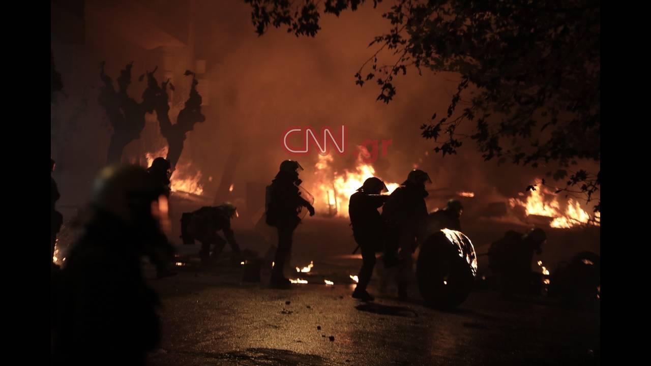 https://cdn.cnngreece.gr/media/news/2018/12/07/157458/photos/snapshot/LP2_8170.JPG