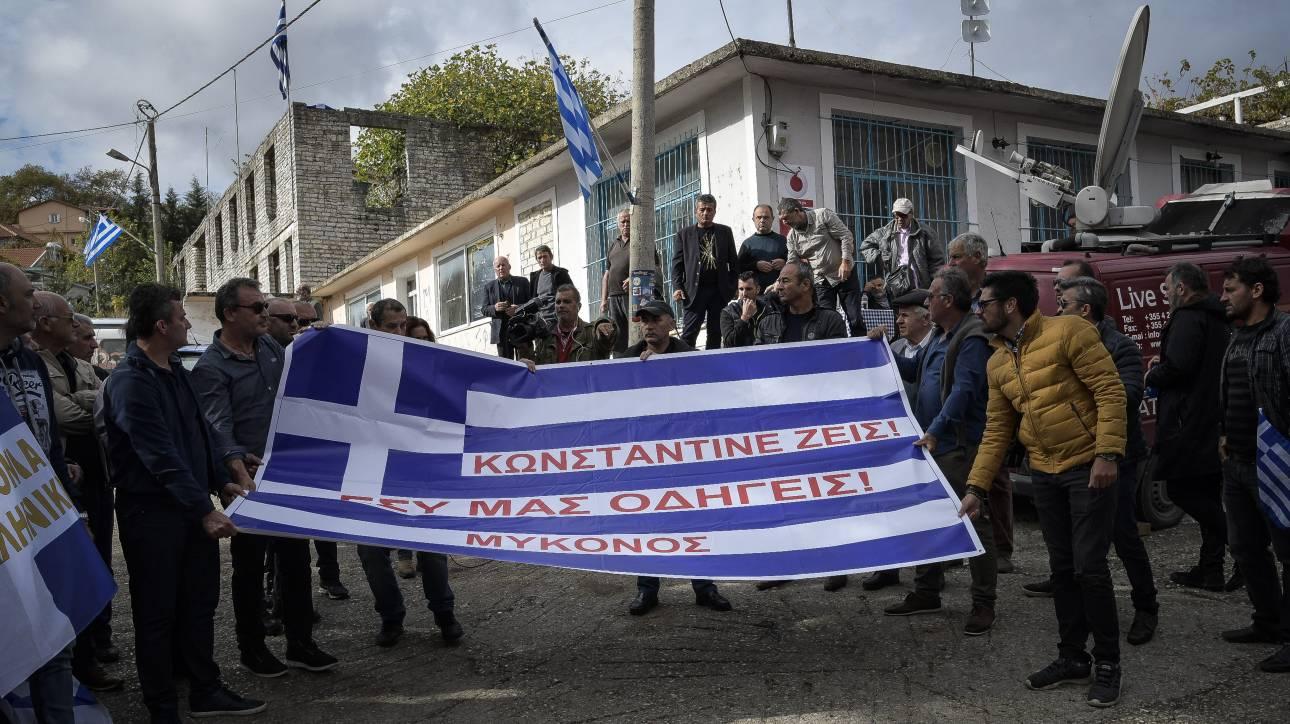 Ένταση στο μνημόσυνο του Κατσίφα στην Κρήτη: Τραυματίστηκε αστυνομικός