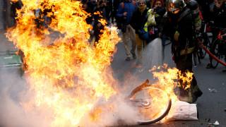 Ανανεώνουν το «ραντεβού» τους για τις 15 Δεκέμβρη τα «Κίτρινα Γιλέκα» - Σε συναγερμό οι αρχές