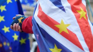 Έκθεση του βρετανικού κοινοβουλίου για το Brexit: «Αβεβαιότητα» από τη συμφωνία της Μέι