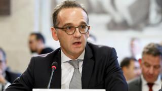 O Μάας επικρίνει όσους εναντιώνονται στο Παγκόσμιο Σύμφωνο του ΟΗΕ για τη Μετανάστευση