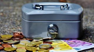 Συντάξεις: Τα νέα ποσά στις επικουρικές – Πόσα χρήματα θα πάρετε (πίνακες)