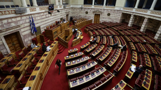 Κατατέθηκε η τροπολογία για την επιδότηση εισφορών για άτομα έως 25 ετών