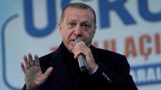 Ερντογάν για «κίτρινα γιλέκα»: Οι υποστηρικτές ανθρωπίνων δικαιωμάτων κλείνουν τα μάτια