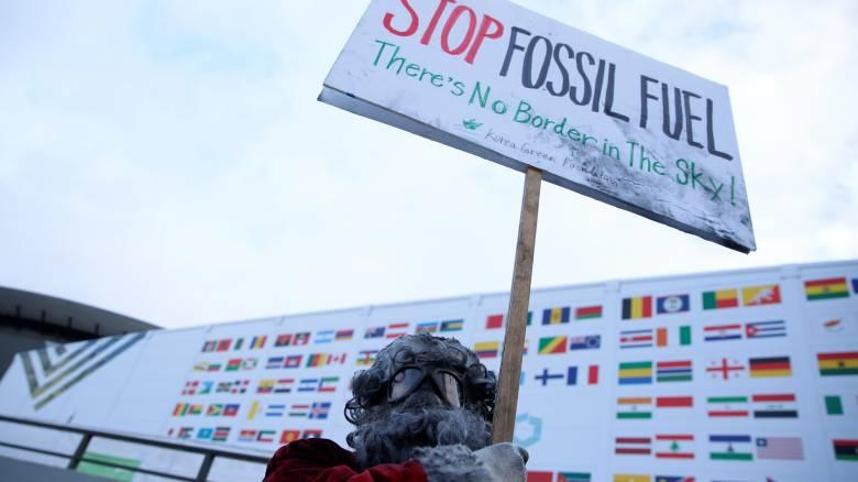 Η βιομηχανία της μόδας δεσμεύεται να πολεμήσει την κλιματική αλλαγή