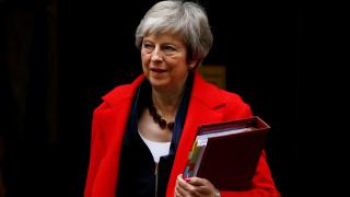 Brexit: Η Μέι αναζητά λύσεις στις Βρυξέλλες που... «δεν διαπραγματεύονται»