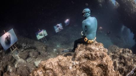 Στέφανος Κόντος: Παγκόσμια πρώτη για υποβρύχια έκθεση φωτογραφίας με… μια ανάσα
