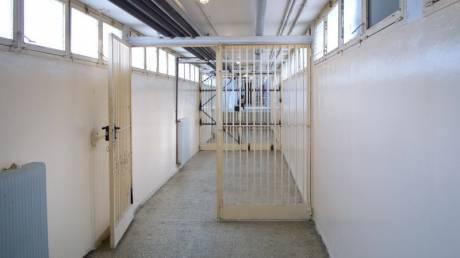 Πατέρας φοιτήτριας: Καταδικάζω τα όσα θλιβερά έγιναν στη φυλακή με τον 19χρονο