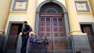 Βίντεο - ντοκουμέντο από τη στιγμή της επίθεσης σε εκκλησία στη Βραζιλία
