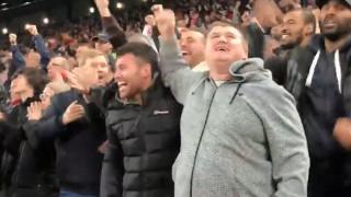 Συγκινητική εικόνα: Τυφλός οπαδός την Λίβερπουλ πανηγυρίζει το γκολ του Σαλάχ