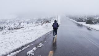 Καιρός: Έρχεται… τσουχτερό κρύο – Ποιες περιοχές θα «ντυθούν» στα λευκά