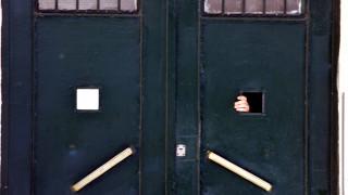 Δολοφονία στη Ρόδο: Ο 19χρονος αναγνώρισε 12 από τους κρατούμενους που του επιτέθηκαν