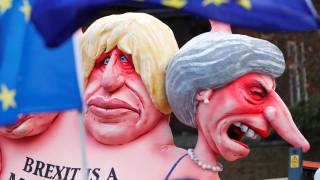 «Θρίλερ» με τη Μέι: Αντίστροφη μέτρηση για την ψηφοφορία που θα κρίνει το μέλλον του Brexit