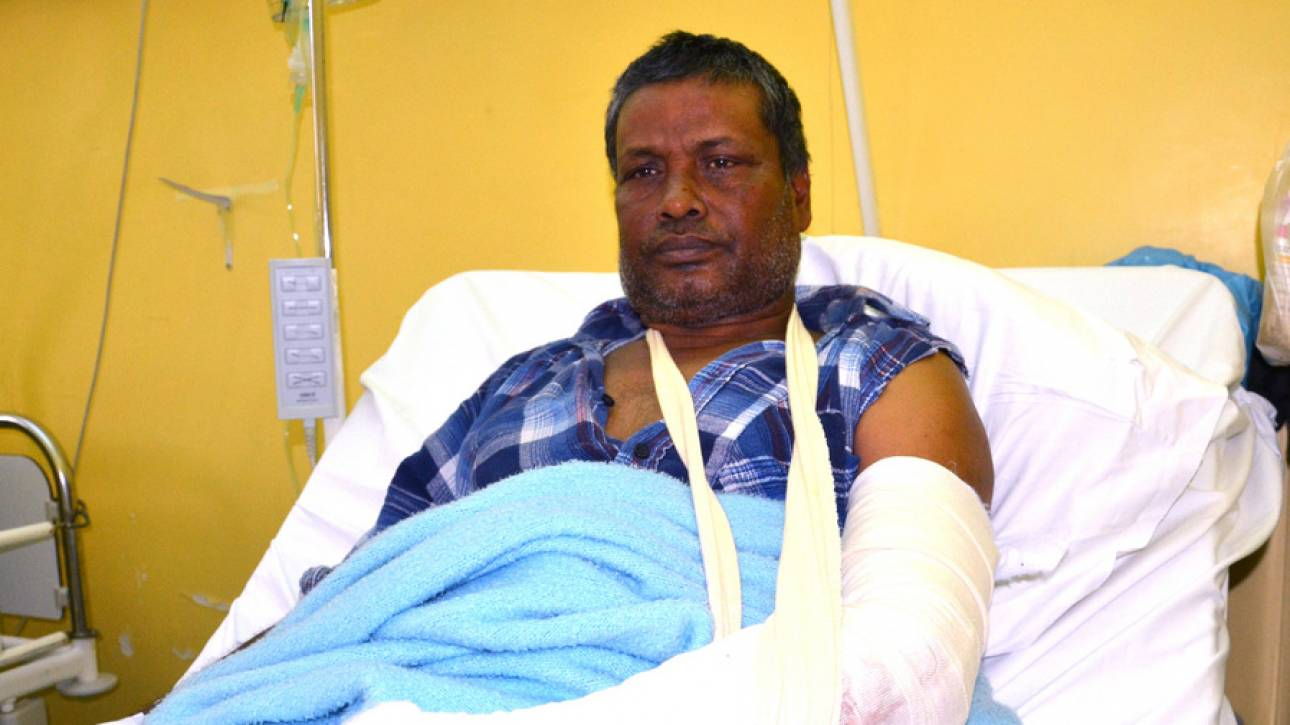 Ελεύθερος ο Έλληνας που έσπασε το χέρι μετανάστη επειδή του είπε να μην παρκάρει σε χώρο ΑΜΕΑ