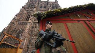 Επίθεση Στρασβούργο: Η γερμανική αστυνομία αναζητεί «δύο αδελφούς»