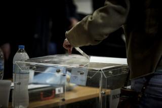 Νέα δημοσκόπηση: Το 53% των πολιτών θέλει εκλογές πριν από το τέλος της τετραετίας