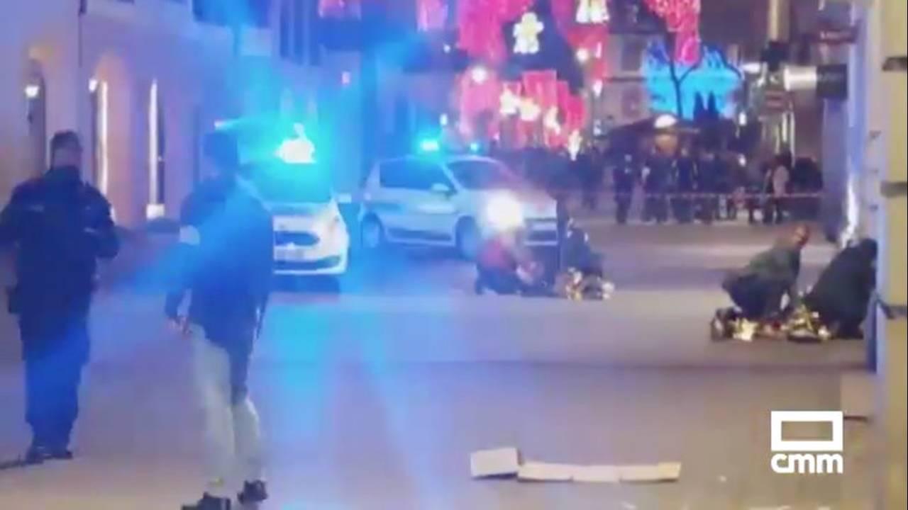 https://cdn.cnngreece.gr/media/news/2018/12/12/158055/photos/snapshot/2018-12-11T212128Z_108589541_RC1515E6BF50_RTRMADP_3_FRANCE-SHOTS.jpg