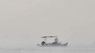 Εντυπωσιακές εικόνες: Η θάλασσα «βράζει» στο Ναύπλιο