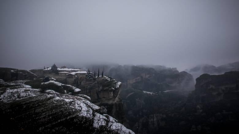Στα λευκά «ντύθηκε» η Ελλάδα: Πού θα χτυπήσει η κακοκαιρία τις επόμενες ώρες