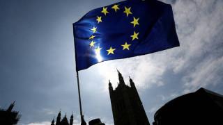 Brexit: Λύση στο ζήτημα των ιρλανδικών συνόρων εξετάζουν οι ευρωπαίοι ηγέτες