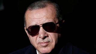 Ιαχές πολέμου από Ερντογάν: «Θα τους θάψουμε στα ορύγματα που σκάβουν!»