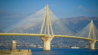 Συναγερμός στις Αρχές: Άνδρας απειλούσε να αυτοκτονήσει από τη γέφυρα Ρίου - Αντιρρίου