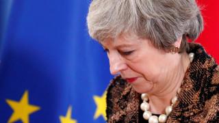 Μέι για Brexit: Ανεπανόρθωτη ζημιά στην περίπτωση δεύτερου δημοψηφίσματος