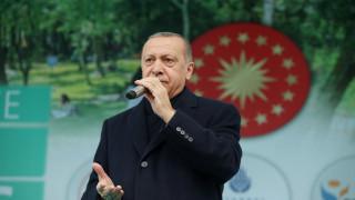 Ο Ερντογάν απειλεί με επίθεση «οποιαδήποτε στιγμή»: Θα τους ξεφορτωθούμε