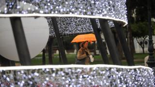 Καιρός: Πού αναμένονται βροχές, καταιγίδες και χιόνια την Τρίτη