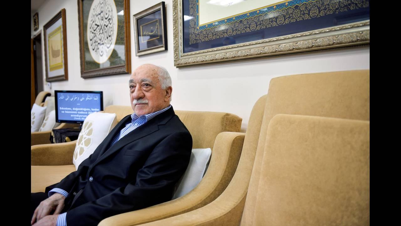 https://cdn.cnngreece.gr/media/news/2018/12/17/158658/photos/snapshot/TURKEY-SECURITY-REUTERSCharles-Mostoller.jpg