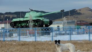 Η Ρωσία εγκαθιστά στρατεύματα σε αμφιλεγόμενα νησιά και προκαλεί την Ιαπωνία