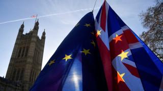 Χάος στη Βρετανία: Το «σκληρό» Brexit στο επίκεντρο υπουργικού συμβουλίου
